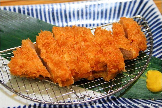 【台北餐廳推薦】杏子日式豬排店~享受大口日式豬排的美味感!《13食記》-Via's旅行札記
