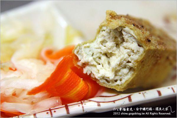 【台中臭豆腐】戴記獨臭之家《13食記》-Via's旅行札記