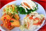 《13食記》品嘗六十石山餐廳「鐵掌櫃茶舍」~金針花風味大餐